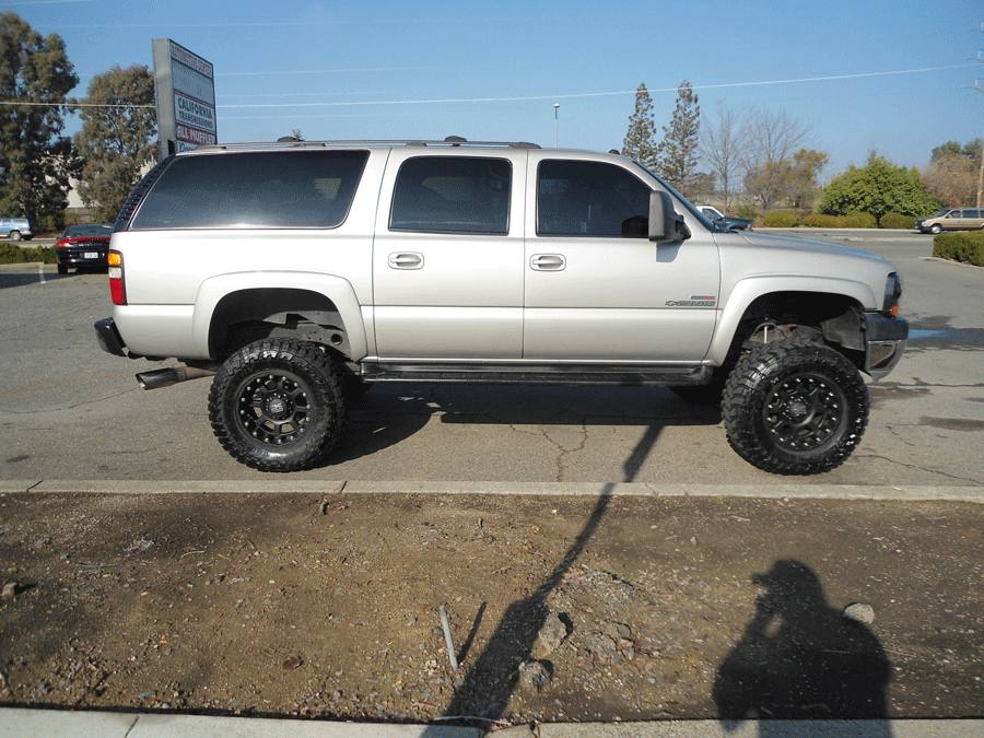 2004 duramax suburban 2500 hd rocklin ca chevy lifted show ad socal trucks socal trucks